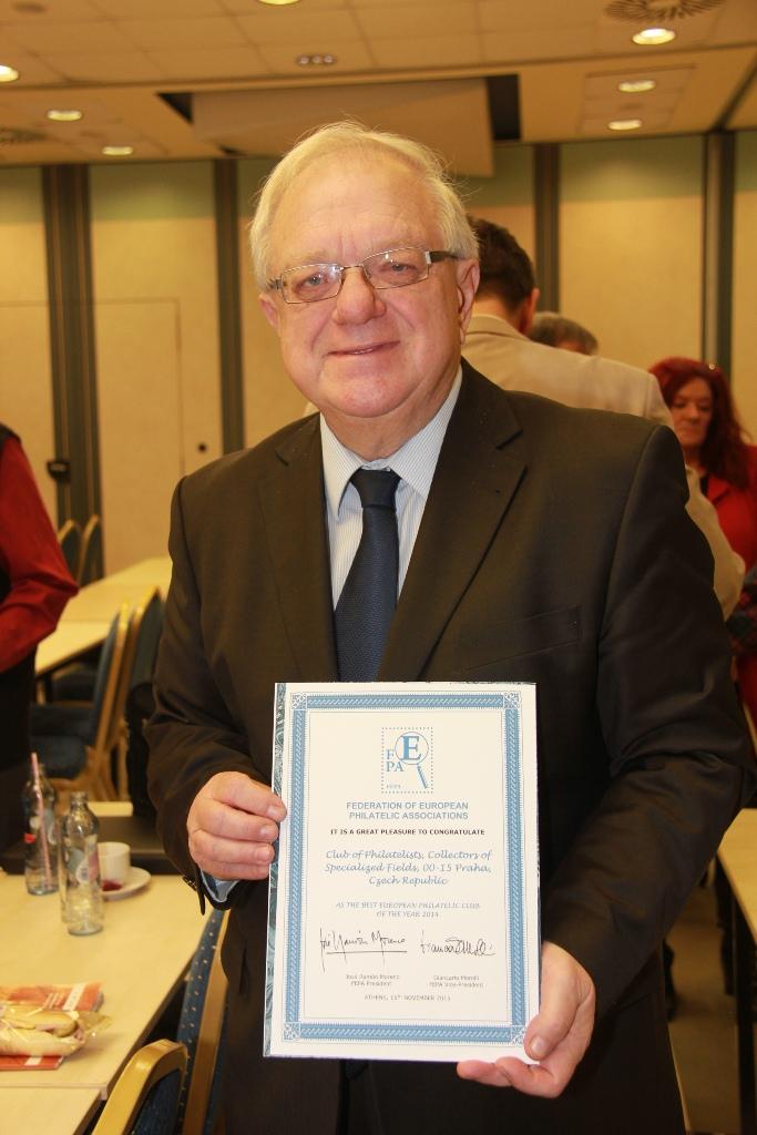 Předseda klubu Ivan Leiš s oceněním FEPA